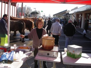 Casse-croute devant la boucherie de Toulenne